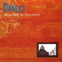 DÁN | Stranger at the Gate